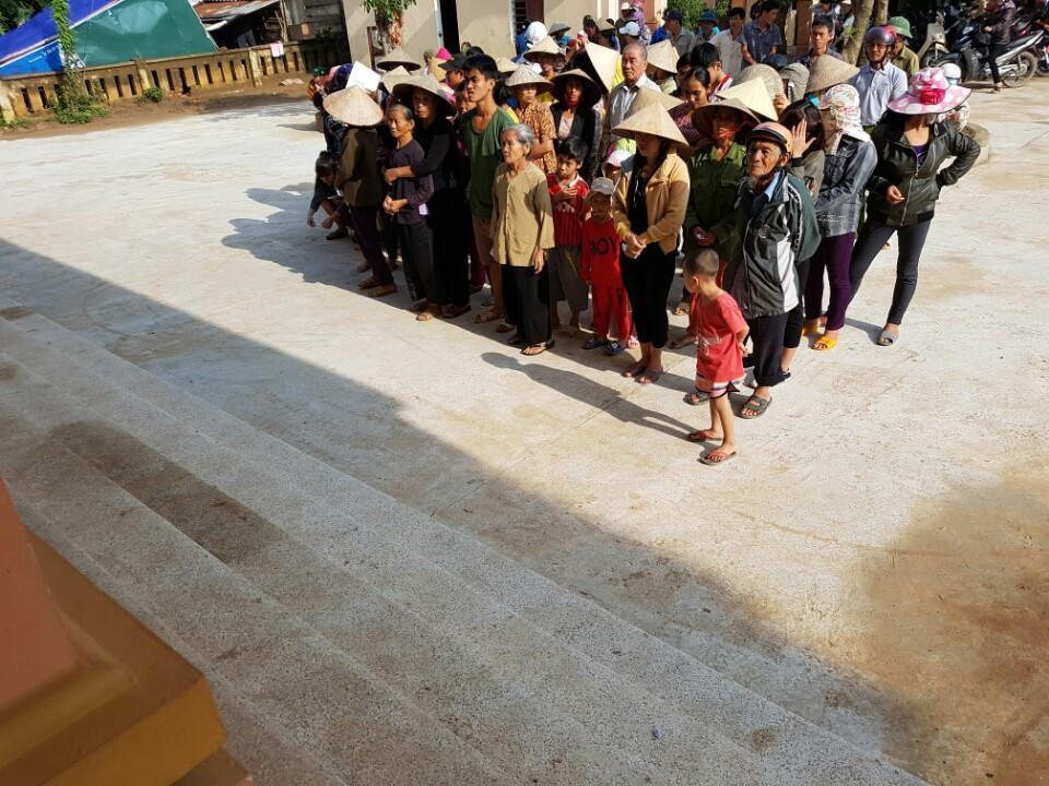 Than Miền Nam Vinacomin ủng hộ đồng bào lũ lụt Miền Trung