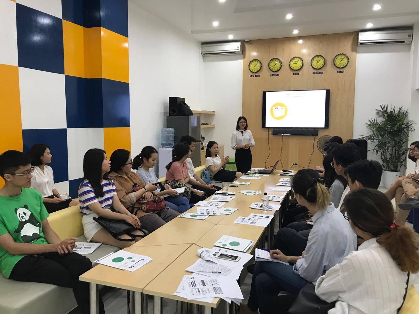 """Talkshow """"Sinh viên và Câu chuyện thực tập"""" - ICT & VNU-IS"""