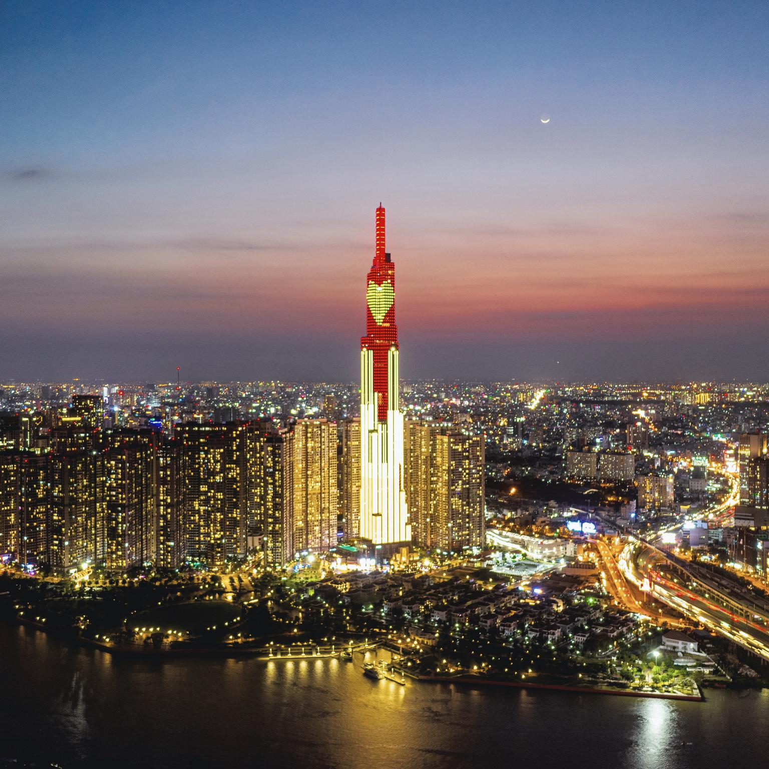 Nổi lên từ đại dịch, kinh tế Việt Nam phục hồi để định vị chính mình