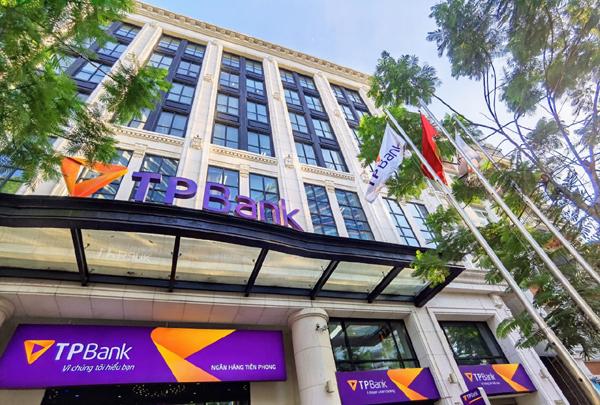 TPBank tiếp tục vào top 4 ngân hàng tư nhân uy tín nhất Việt Nam 2020