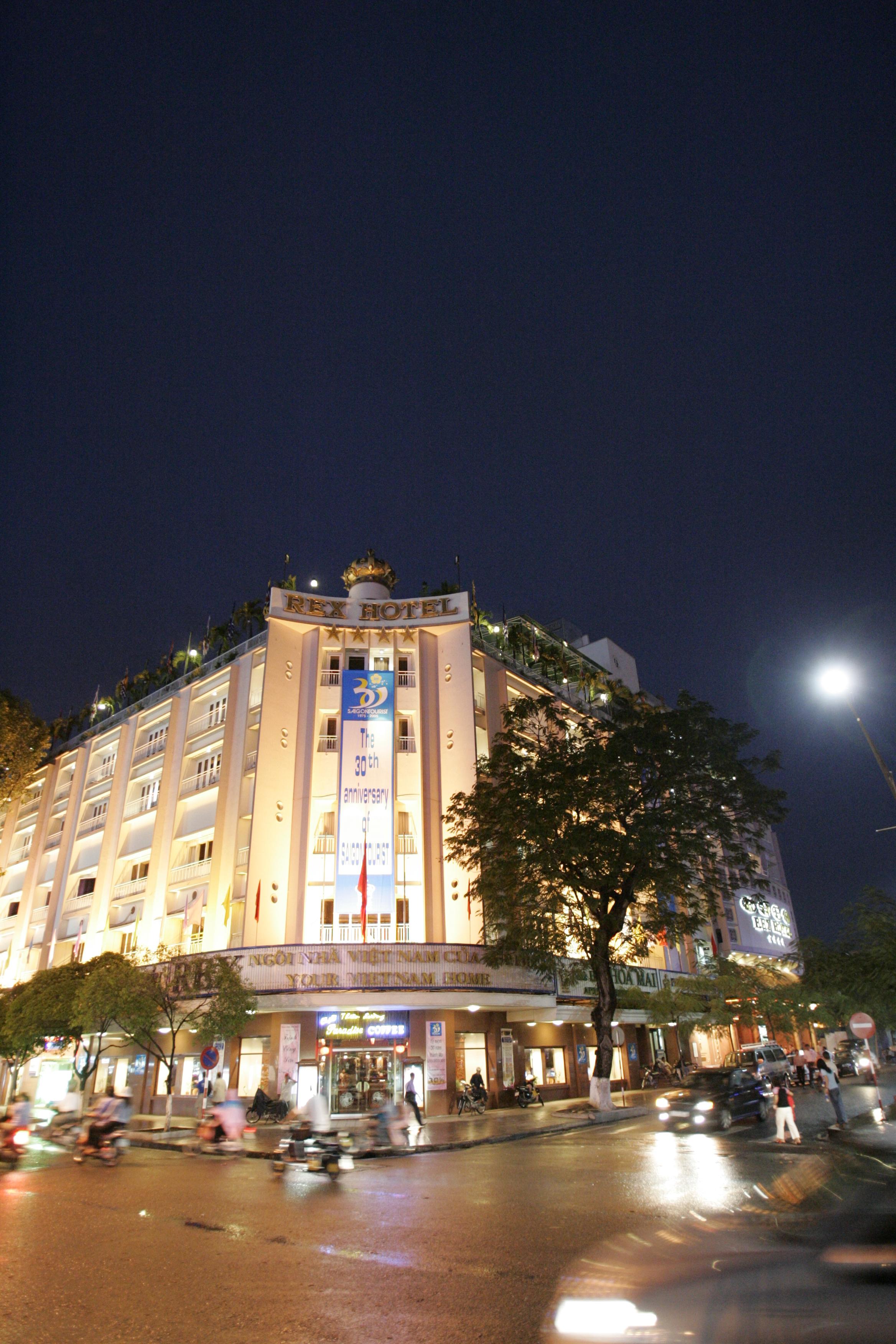 Khách sạn Rex Saigon -  Khách sạn lịch sử giữa lòng thành phố hiện đại