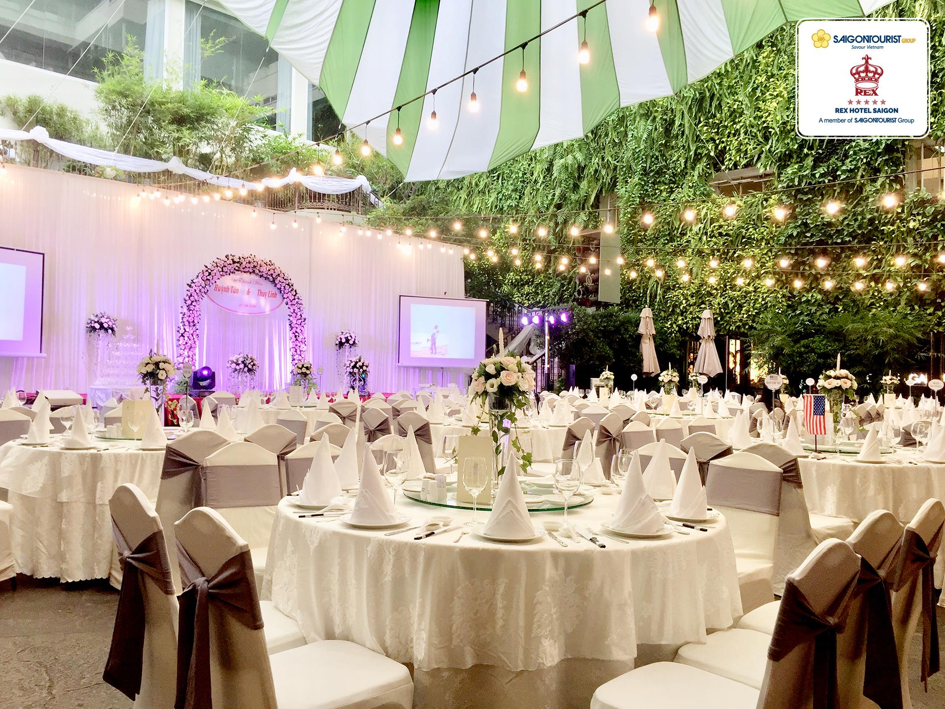 Tiệc cưới tại Khách sạn REX Saigon
