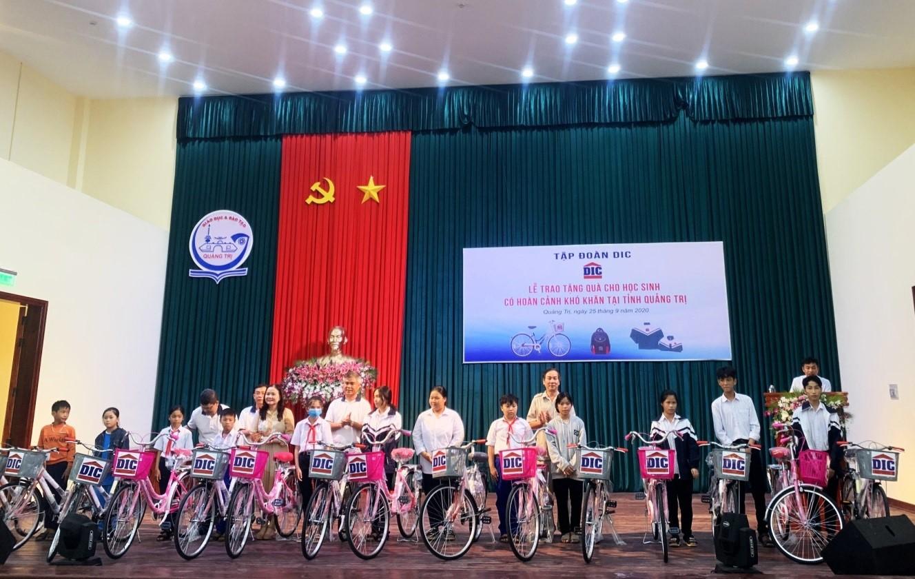 Tập đoàn DIC nâng bước đến trường cho học sinh nghèo Miền Trung