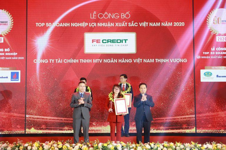 FE CREDIT được vinh danh trong Top 20 doanh nghiệp lợi nhuận xuất sắc Việt Nam năm 2020