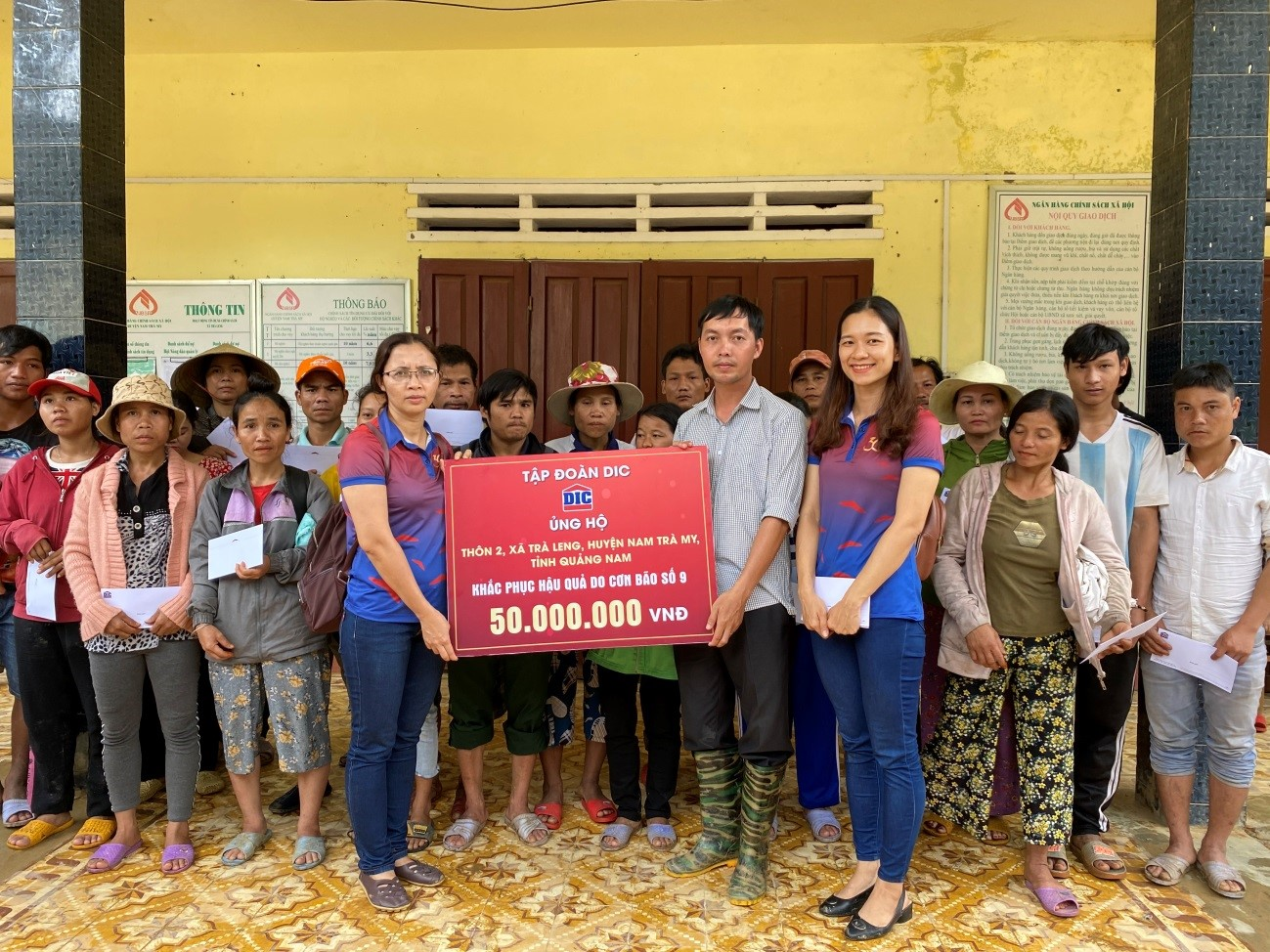 Tập đoàn DIC tiếp tục ủng hộ gần 500 triệu đồng cho đồng bào miền Trung khắc phục hậu quả sau lũ
