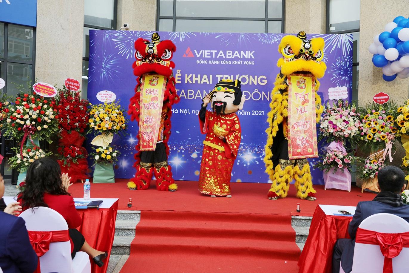 Tưng bừng khai trương trụ sở mới của VietABank Hà Đông