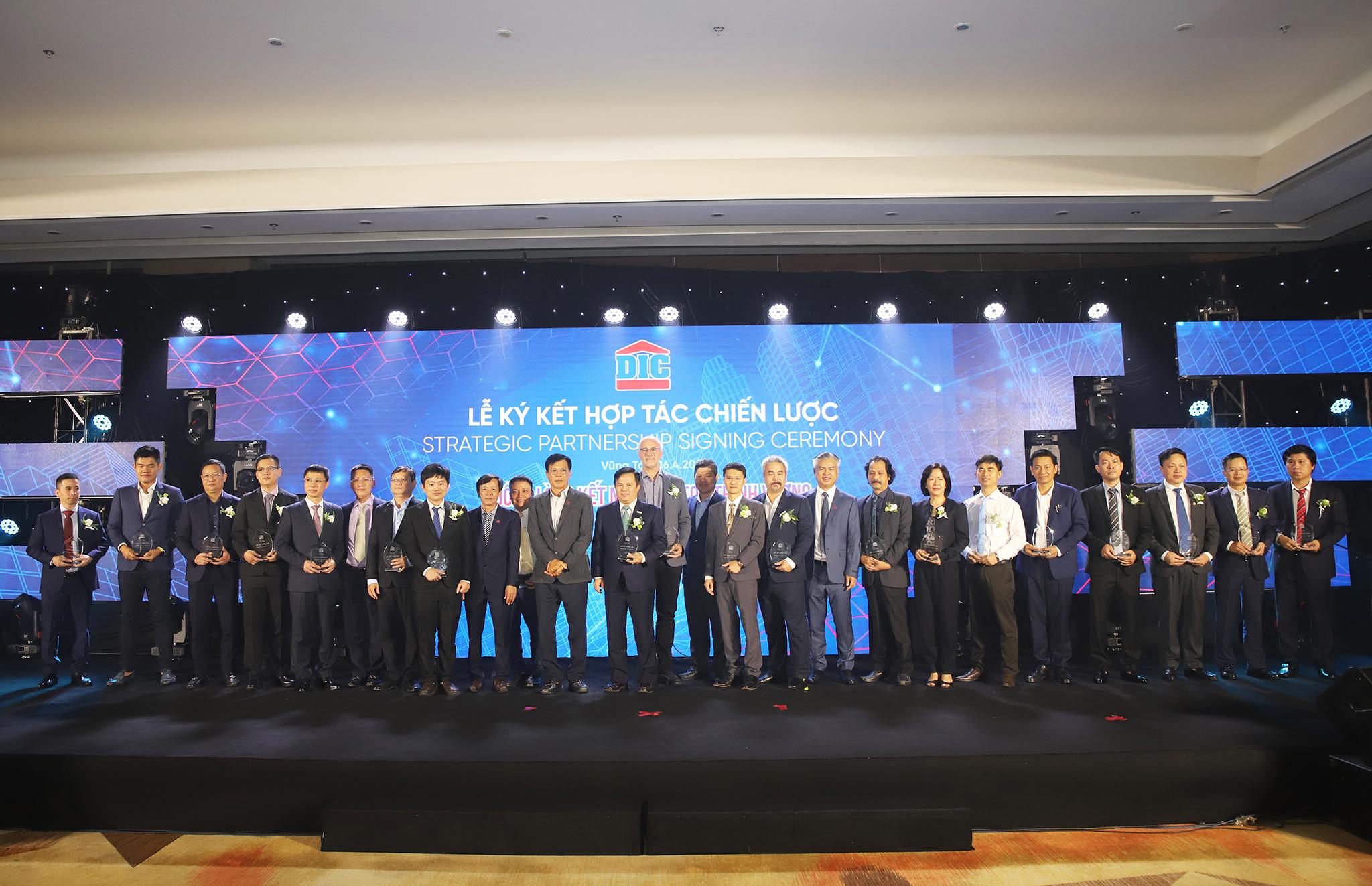Tập đoàn DIC ký kết hợp tác toàn diện với 20 đối tác