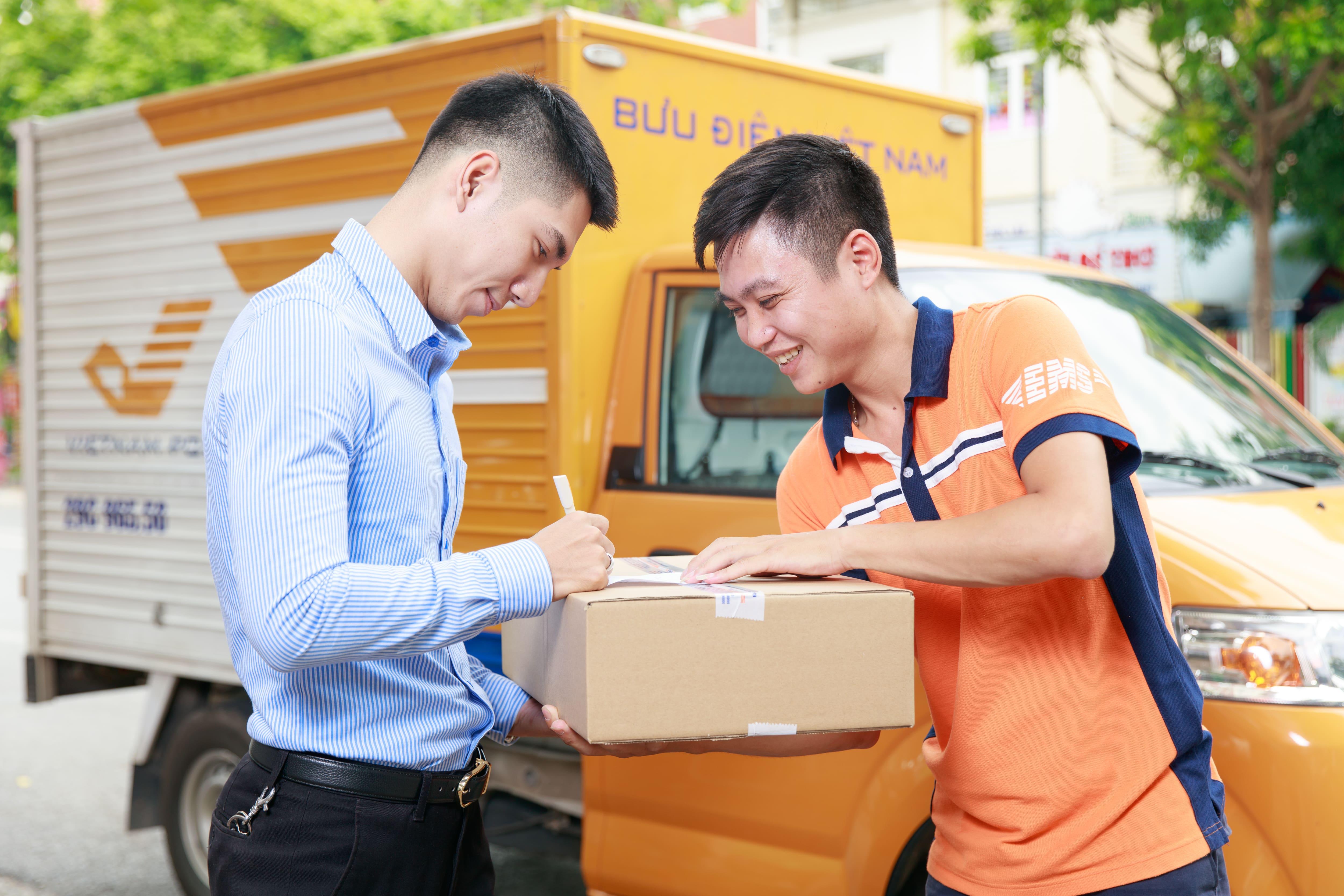 Chuyển phát nhanh Bưu điện – Hành trình xây dựng thương hiệu dịch vụ chuyển phát uy tín, chuyên nghiệp hàng đầu Việt Nam