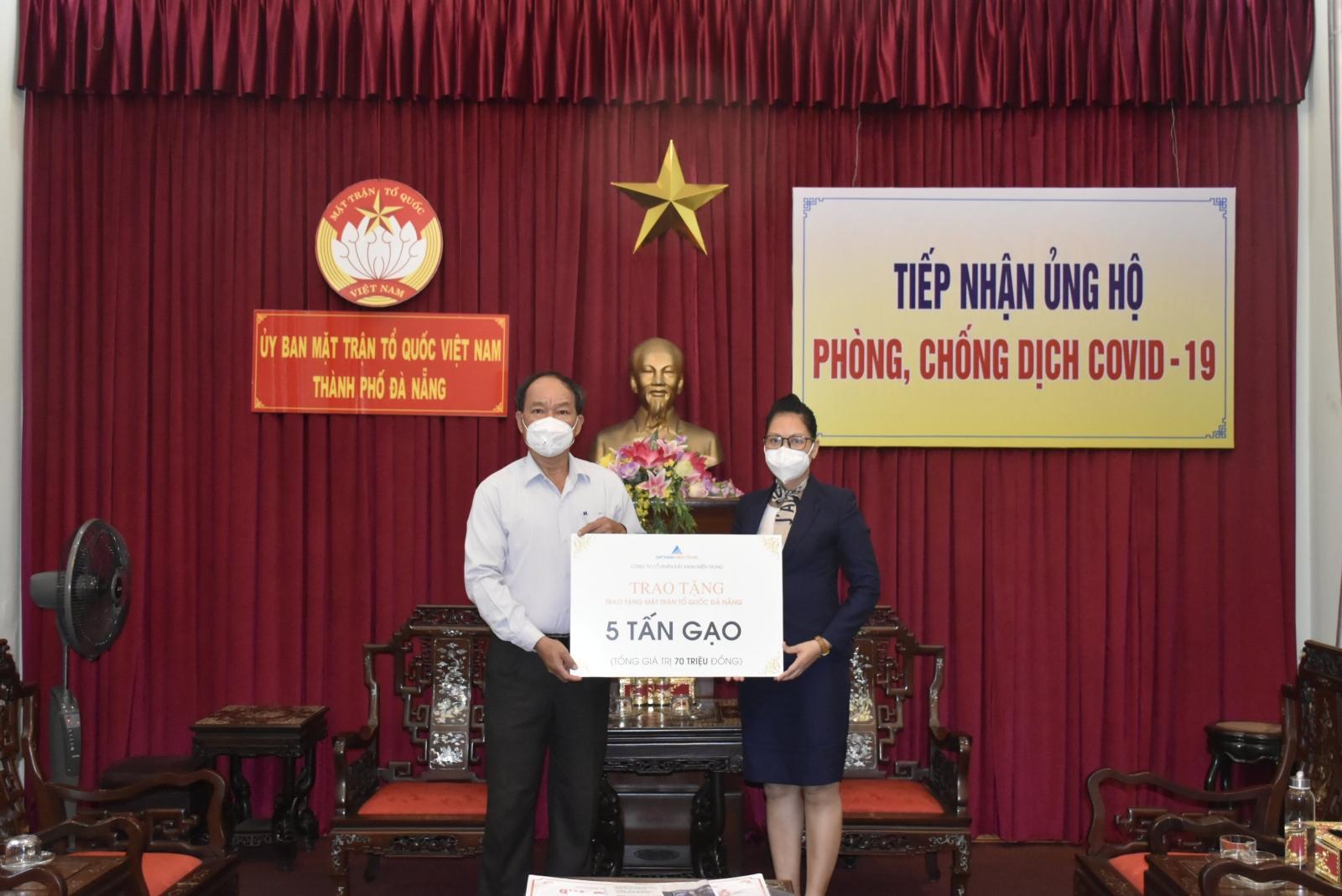 Đất Xanh Miền Trung tiếp tục hỗ trợ nhu yếu phẩm cho công tác xã hội phòng chống dịch trên nhiều tỉnh, thành