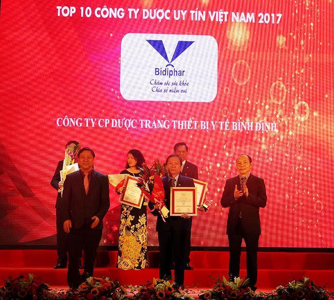 Bidiphar - Nhận danh hiệu Top 10 Công ty Dược Việt Nam uy tín năm 2017