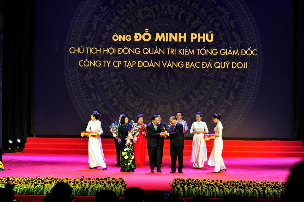 Chủ tịch – Tổng giám đốc Đỗ Minh Phú vinh dự nhận Cúp Thánh Gióng lần thứ 2