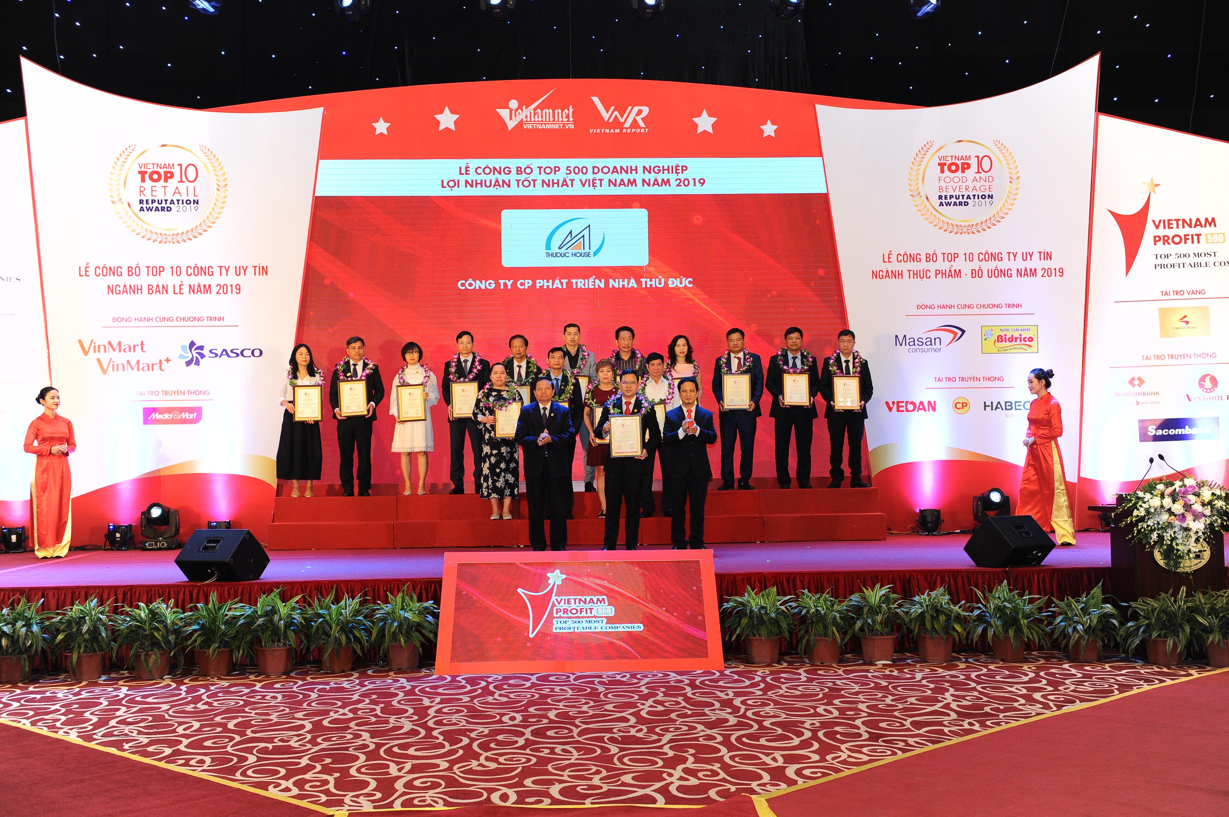 """Thuduc House vinh dự nhận danh hiệu:""""Top 500 Doanh nghiệp lợi nhuận tốt nhất Việt Nam"""""""