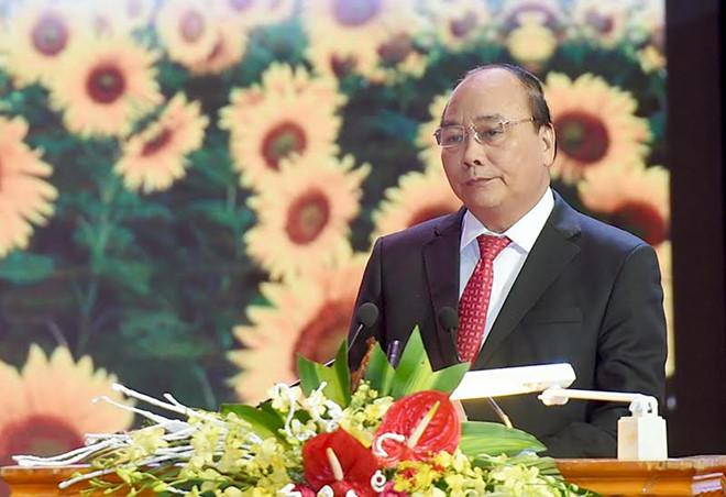 Tôn vinh 100 Doanh nhân Việt Nam tiêu biểu 2016