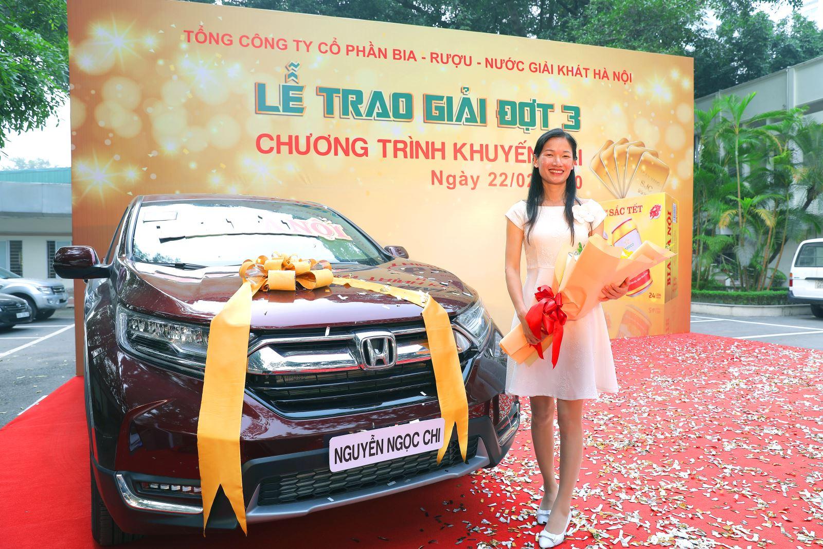 """Bia Hà Nội trao giải cho những khách hàng may mắn cuối cùng trong Chương trình khuyến mại """"Vị Bia làm nên sắc Tết"""""""