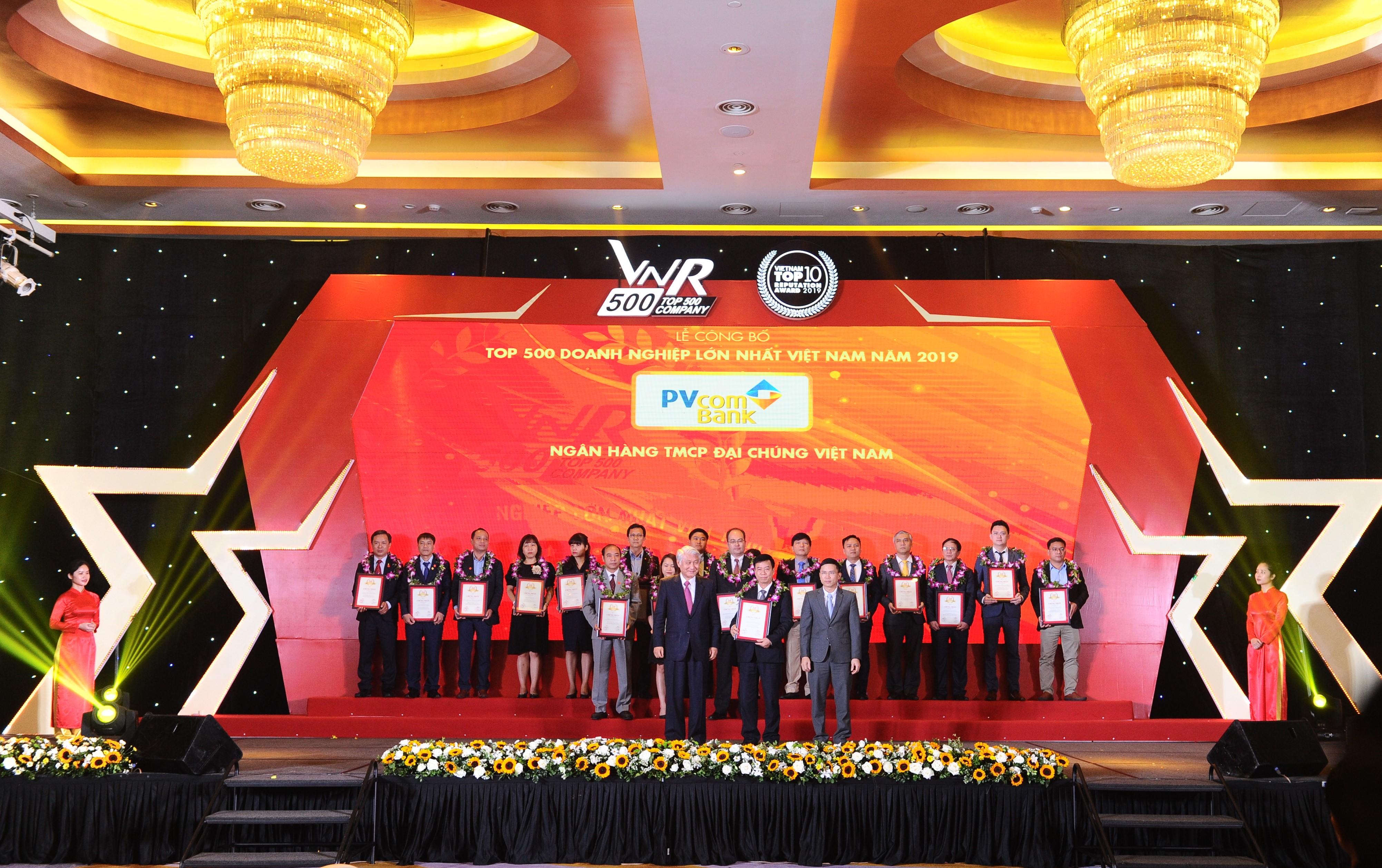 """PVcomBank 5 năm liên tiếp được vinh danh """"Top 500 doanh nghiệp lớn nhất Việt Nam"""""""