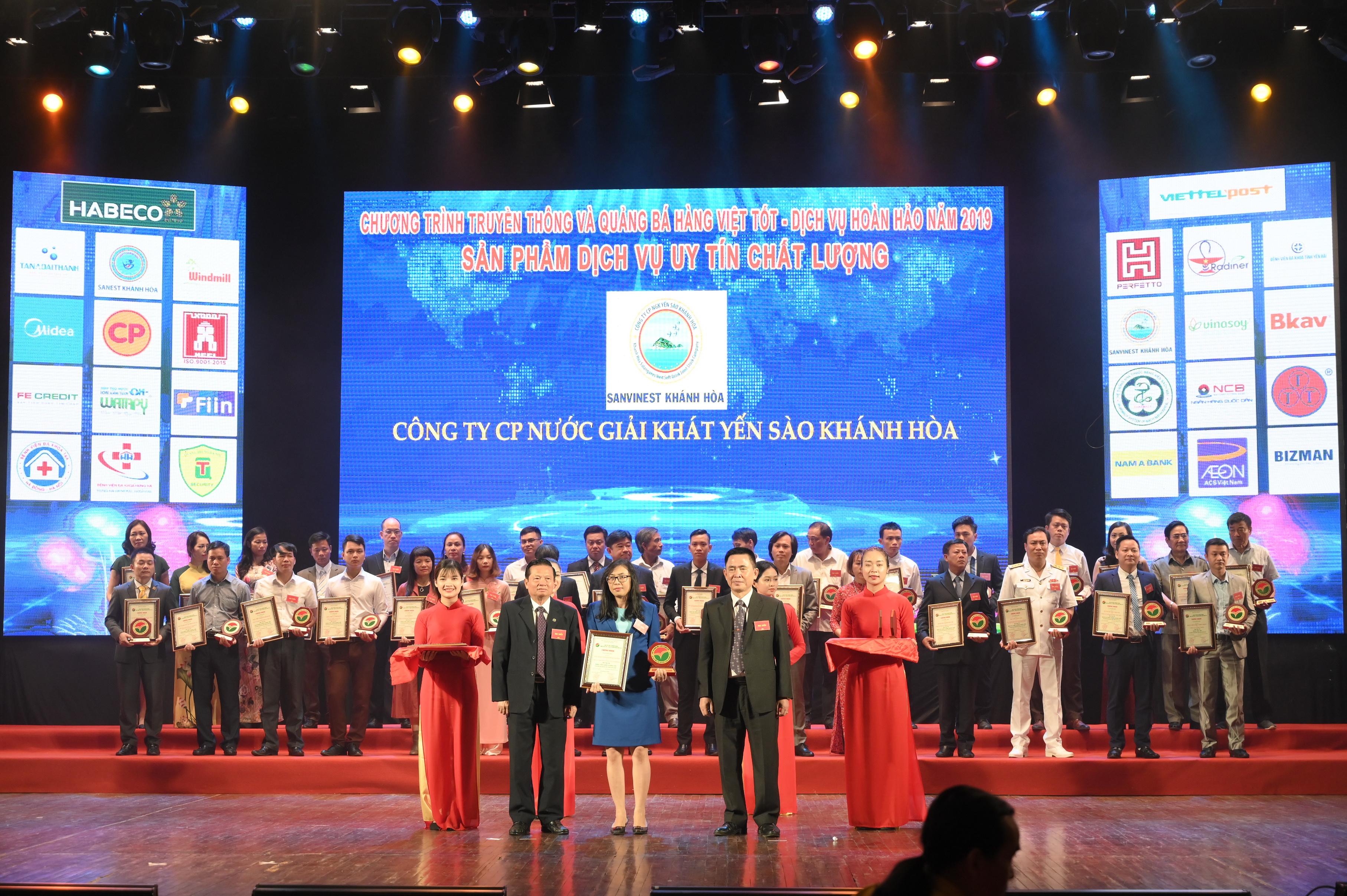 Công ty CP NGK Yến sào Khánh Hòa đã vinh dự lọt Top 10 hàng Việt chất lượng tốt