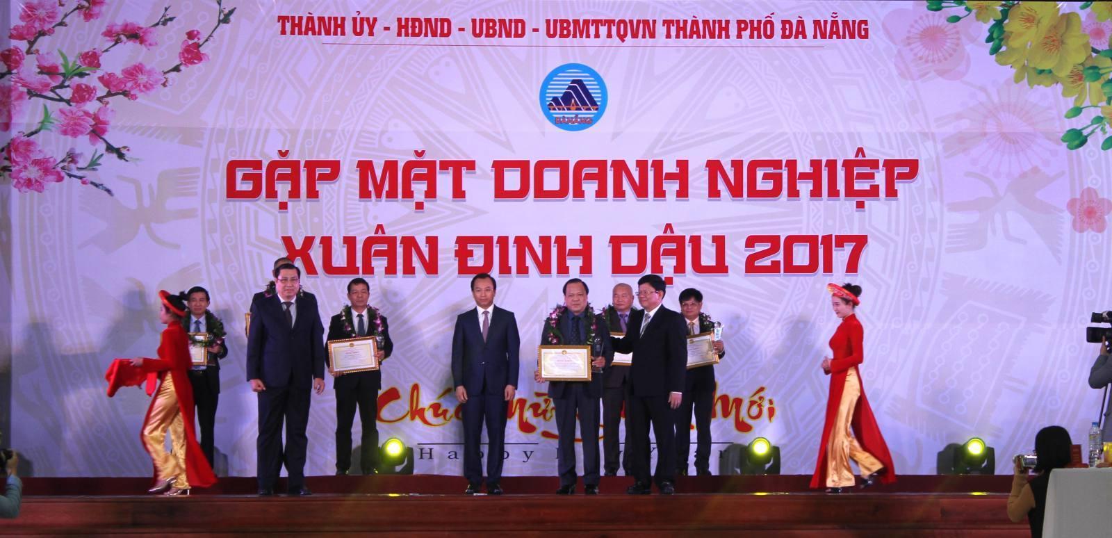 DMT vinh dự nằm trong top 20 Doanh nghiệp tiêu biểu của TP. Đà Nẵng
