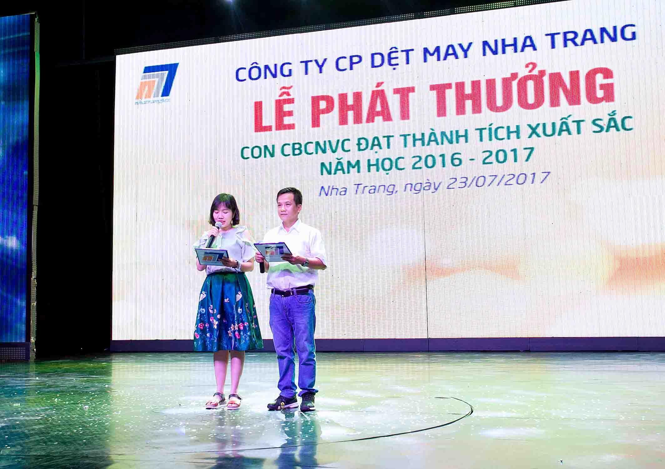 Công ty CP Dệt May Nha Trang rộn ràng lễ phát thưởng năm học 2016 - 2017