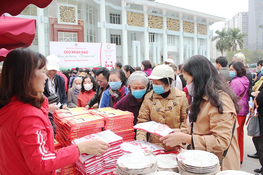 """CADI-SUN mang """"Tết ấm"""" đến với người dân quận Thanh Xuân"""