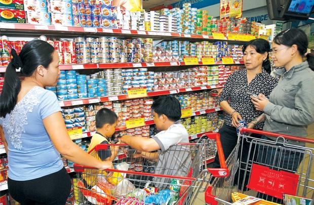 Chi tiêu cho thực phẩm chế biến ngày càng cao là nguyên nhân hút các nhà đầu tư vào ngành này.