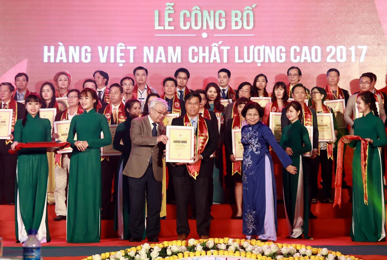 Đây là năm thứ 2 liên tiếp Công ty CP Phân bón Dầu khí Cà Mau (PVCFC - thương hiệu Đạm Cà Mau) đạt danh hiệu cao quý này khi chỉ còn vài ngày nữa công ty sẽ kỷ niệm 6 năm thành lập.