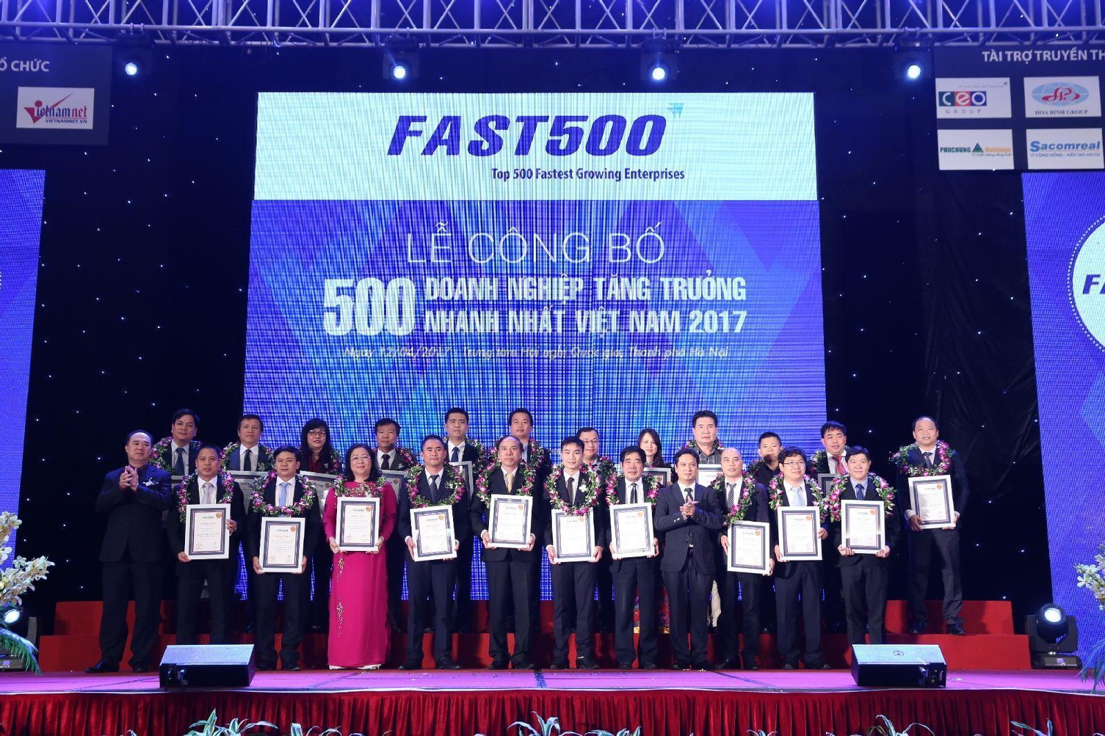HD SAISON  đạt top 100 Doanh nghiệp tăng trưởng nhanh nhất