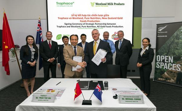 Traphaco ký kết hợp tác chiến lược với liên doanh Westland – Pure Nutrition