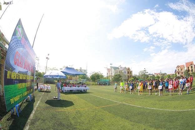 Công đoàn Nhựa Tiền Phong tổ chức giải bóng đá mini