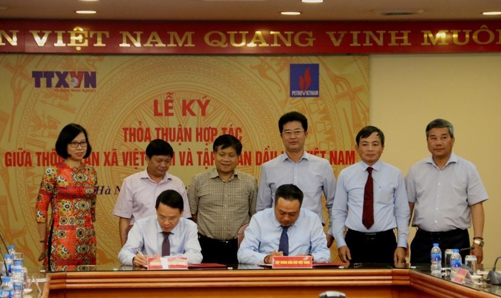 Tập đoàn Dầu khí Việt Nam và TTXVN ký thỏa thuận hợp tác truyền thông