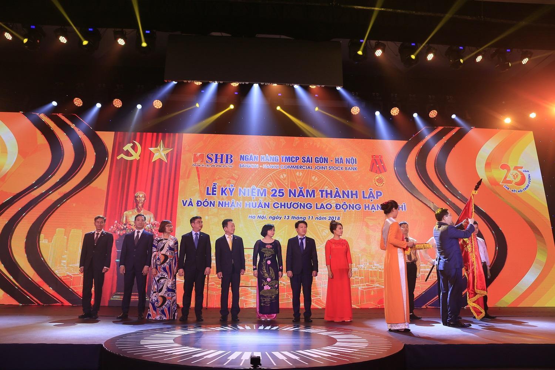 Kỷ niệm 25 năm thành lập SHB đặt mục tiêu đứng Top 3 NHCP tư nhân lớn nhất Việt Nam