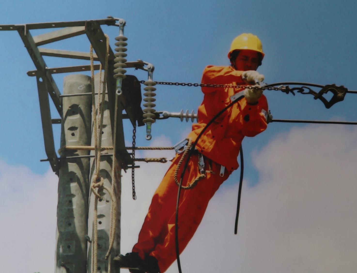 Công đoàn Cty Cổ phần Điện lực Khánh Hòa: Sức bật thi đua sau cổ phần hóa