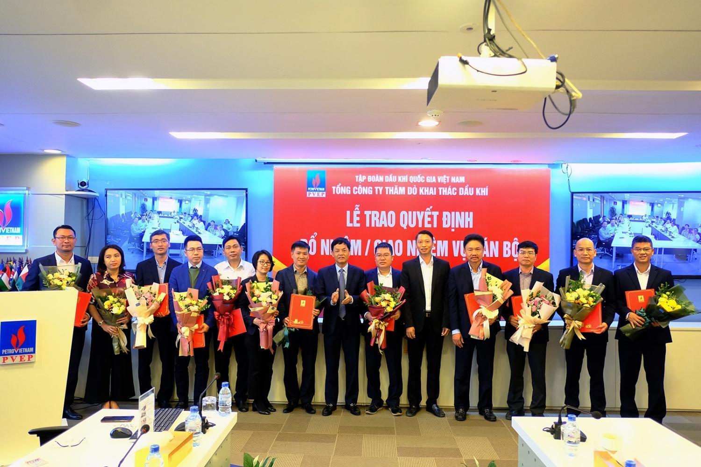 PVEP đứng thứ hai trong Bảng xếp hạng 1000 Doanh nghiệp nộp thuế TNDN lớn nhất Việt Nam 2015
