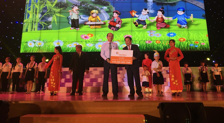 Tôn Đông Á với hoạt động vì trẻ em nhân dịp khai giảng và trung thu