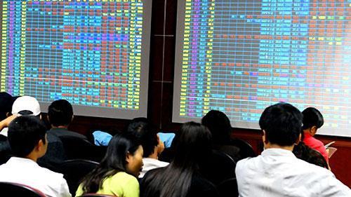Bloomberg: 'Cần dây thần kinh thép để đầu tư chứng khoán Việt lúc này'