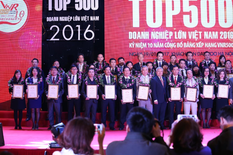 VNR500 năm 2016: Công bố top 500 DN lớn nhất Việt nam