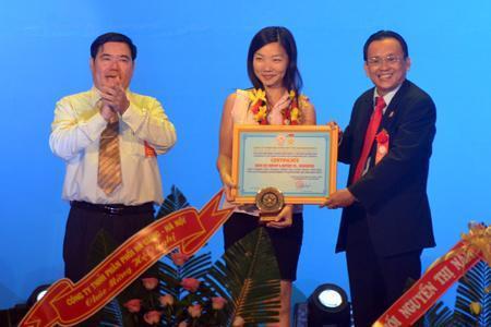 Công ty Yến sào Khánh Hòa trao danh hiệu cho 90 nhà phân phối, đại lý tiêu biểu