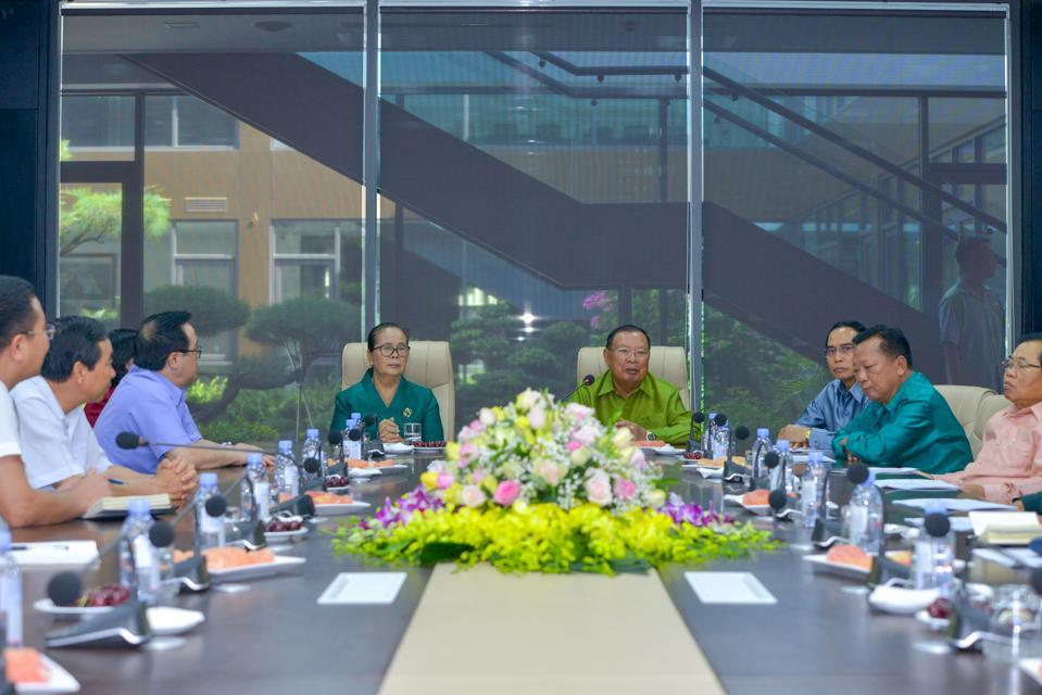Tổng bí thư, Chủ tịch nước CHDCND Lào thăm chính thức nhà máy Hyundai Thành Công