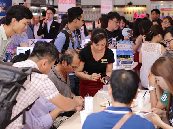 Make in Vietnam: Vượt qua định kiến nghiệt ngã 'hàng ngoại mới xịn'