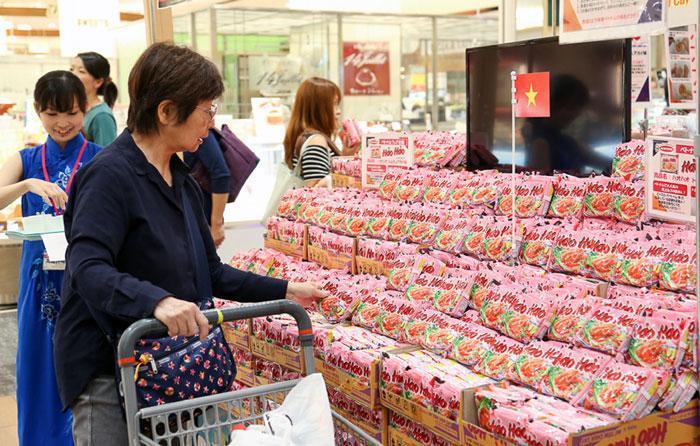 Đưa hàng Việt vào kênh bán lẻ quốc tế: Nhiều rào cản về vốn