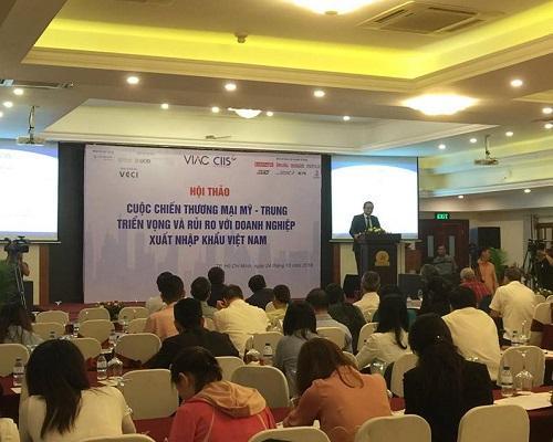 Chiến tranh thương mại là cơ hội và thách thức với doanh nghiệp Việt Nam