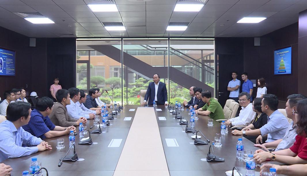 Thủ tướng Nguyễn Xuân Phúc thăm nhà máy sản xuất lắp ráp Ô tô Hyundai Thành Công