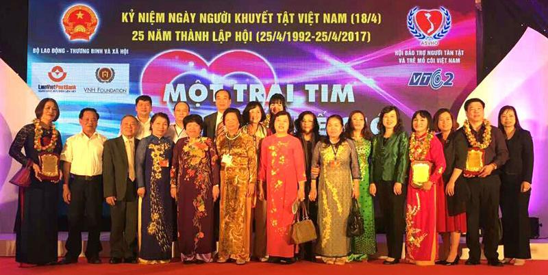 TKV hỗ trợ Quỹ bảo trợ người tàn tật và trẻ mồ côi Việt Nam 50 triệu đồng