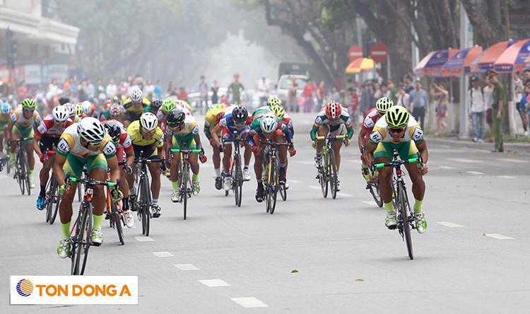 Tưng bừng khởi tranh Giải xe đạp truyền hình TP. HCM
