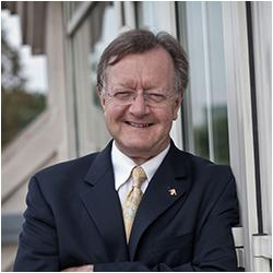 Giáo sư John A Quelch