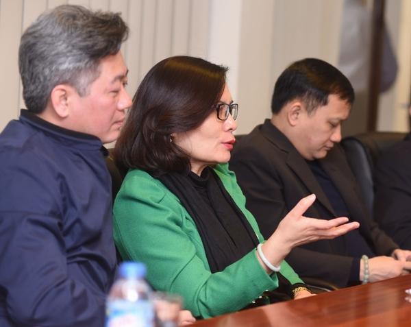 Bà Phan Lan Tú – Giám đốc Sở Thông tin và Truyền thông Hà Nội trong buổi làm việc với VNPT Technology.